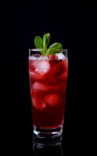 Alkohol: Am Steuer zu trinken, kann Folgen haben.
