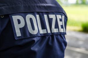 Anzeige wegen Drängeln: Bei der Polizei können Sie einen Verstoß, der die Verkehrssicherheit beeinträchtigt, melden.