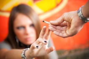 Drogen im Straßenverkehr sind nicht erlaubt.