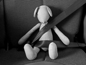 Fahren ohne Gurt wird geahndet. Auch Kinder sind entsprechend zu sichern.