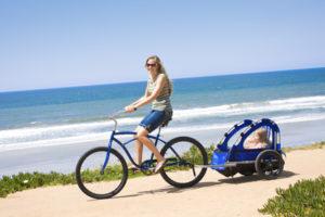 Fahrrad mit Kinder: In diese Fall eignet sich ein Anhänger.