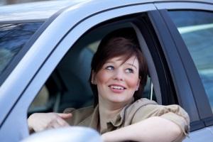 Geschädigte fragen sich oft, wie lange sie einen Mietwagen nach einem Unfall erstattet bekommen.