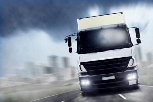 Welche Geschwindigkeit ein LKW fahren darf, ergibt sich aus dem Bußgeldkatalog 2017.