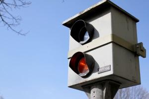 Eine Geschwindigkeitsübertretung auf der Autobahn bringt Sanktionen mit sich.