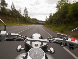 Oft endet ein Motorradunfall mit tragischen Folgen.