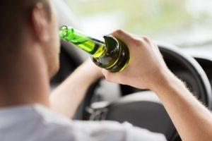 Alkoholeinfluss im Straßenverkehr: In Deutschland gilt die gesetzlich festgelegte Promillegrenze.