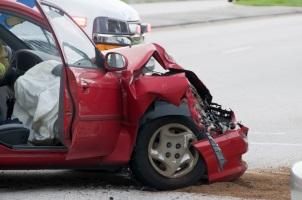 Bei einem Unfall auf der Autobahn ist es besonders wichtig, Ruhe zu bewahren.