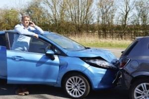 Die Versicherung übernimmt nach einem Unfall die Schadensregulierung.