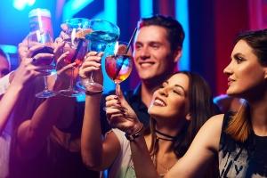 Wer unter 21 Jahren mit Alkohol am Steuer während der Probezeit erwischt wird, dem drohen zusätzliche Maßnahmen.