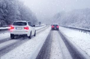 Bei Winterreifen ist die Höchstgeschwindigkeit vom Geschwindigkeitsindex abhängig.