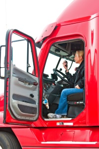 In den Sommerferien gibt es ein Wochenendfahrverbot für LKW.
