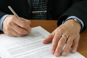 Welche Angaben müssen beim Zeugenfragebogen gemacht werden?